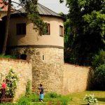 Mauer und Erker Domgarten Naumburg